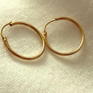 10 kt hoop earrings